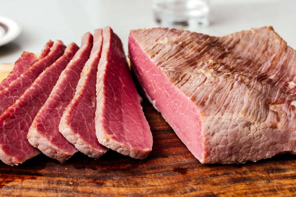 differences between corned beef and brisket